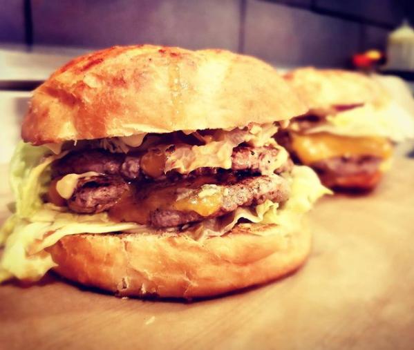 hamburger de chez le point burger antibes